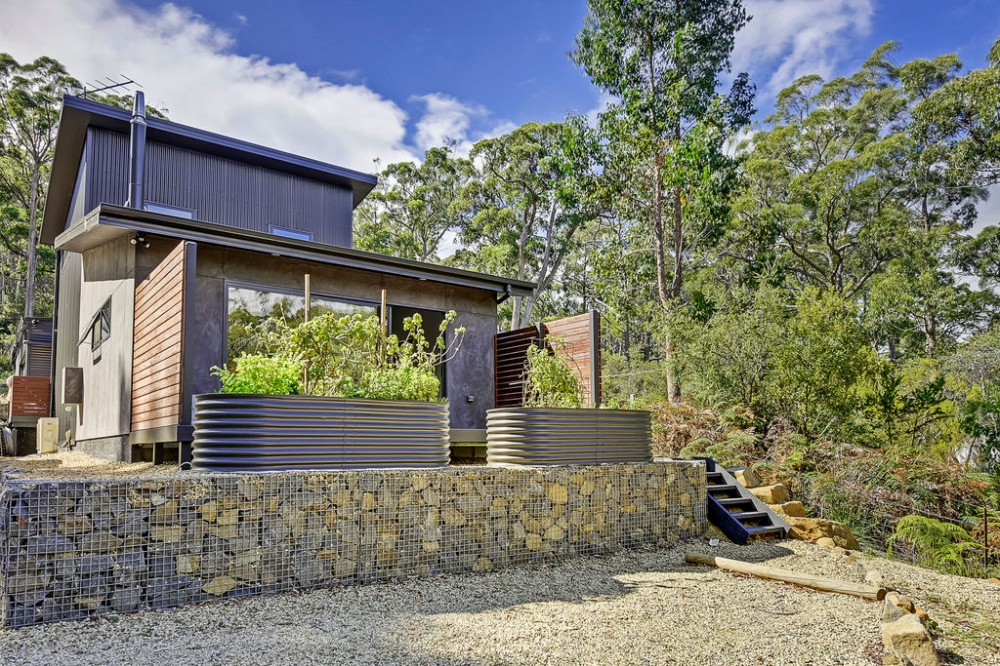 Property For Sale in Eaglehawk Neck