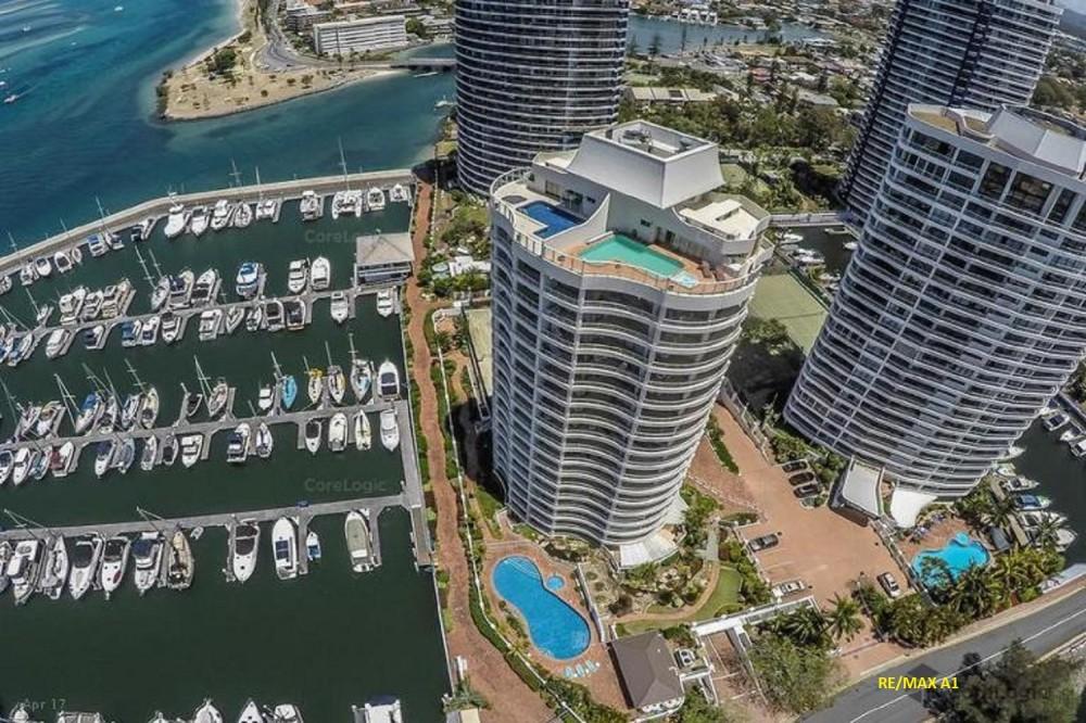 Runaway Bay Properties For Sale