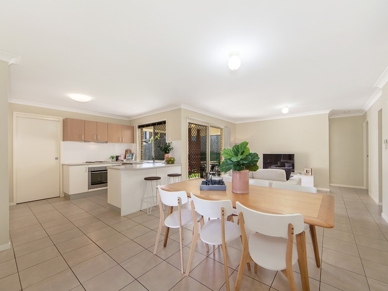 Flinders View real estate For Sale