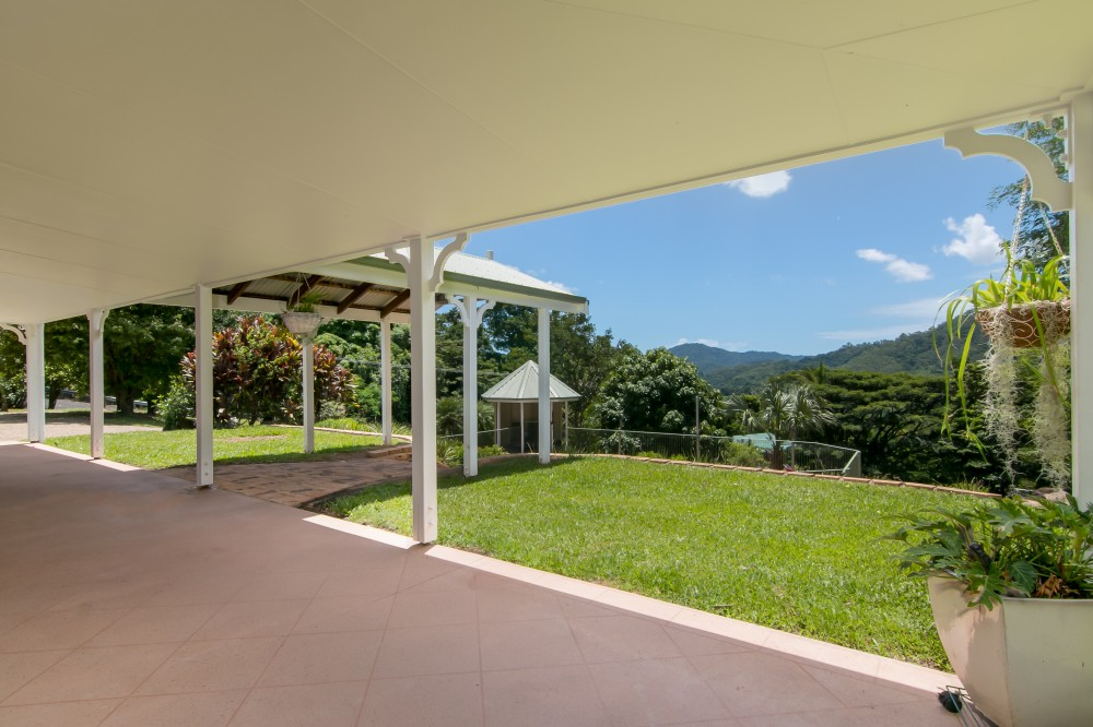 Real Estate in Redlynch