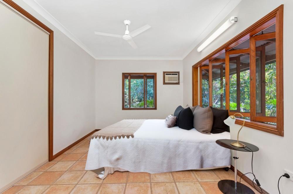 Real Estate in Aloomba