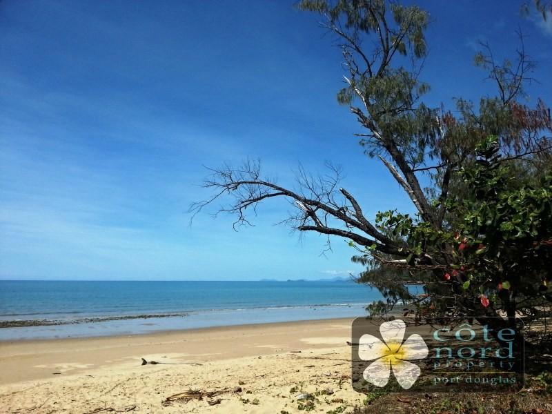 Pristine Oak Beach - just a minute away.