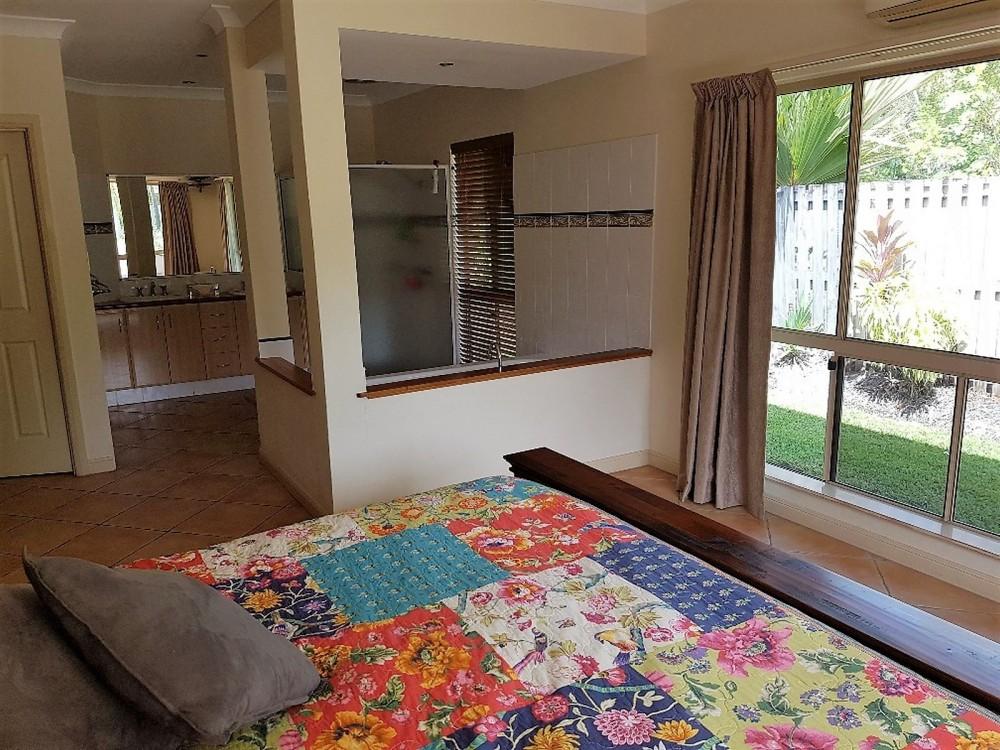 Main bedroom with ensuite, huge WIR, separate WC