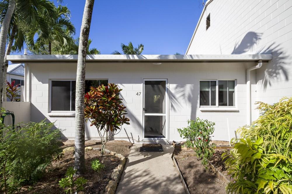 Ti-Tree Resort Port Douglas apartment