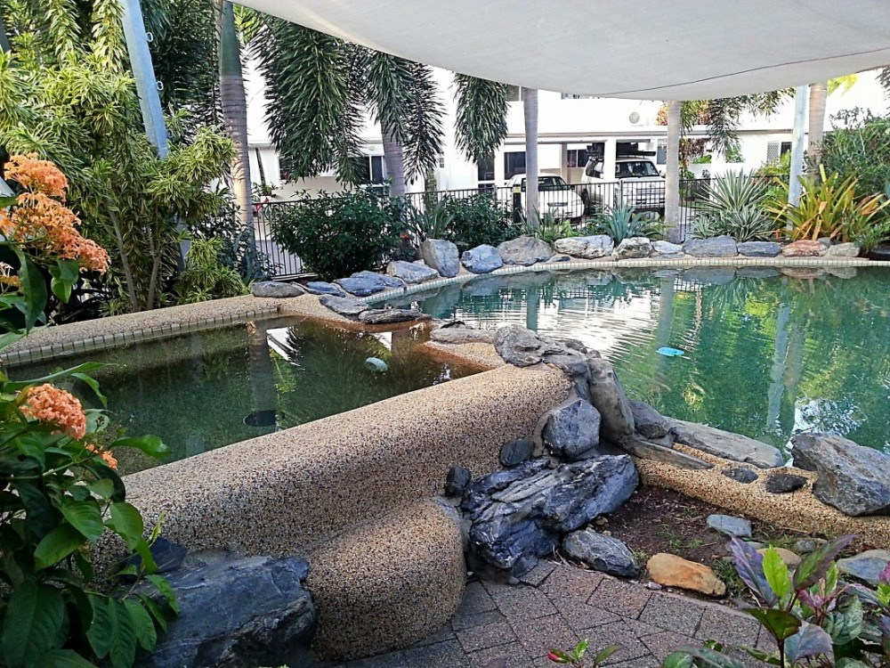 Resort living - jacuzzi and pool