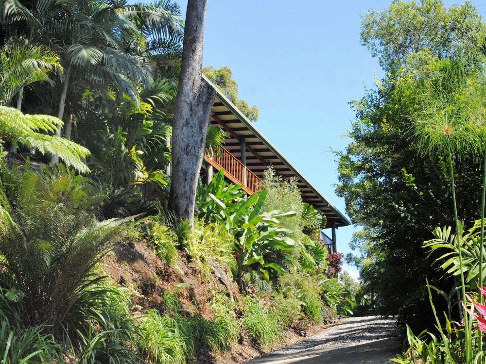 Stylish Port Douglas area house for sale