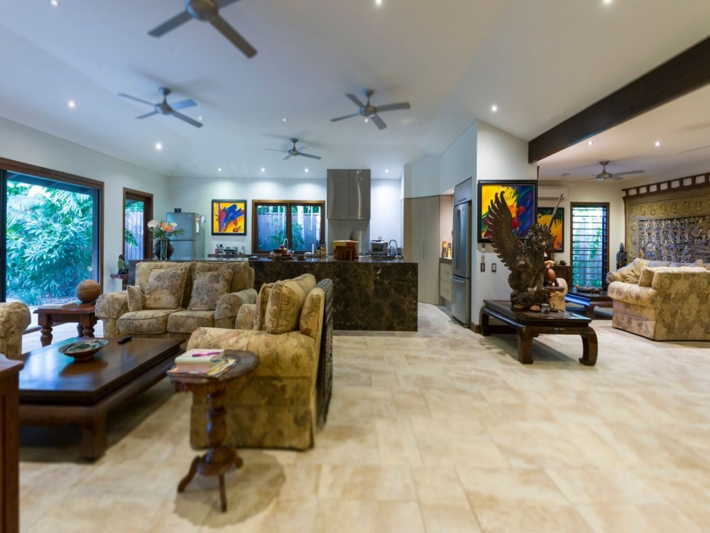 Lounge and entertaining areas