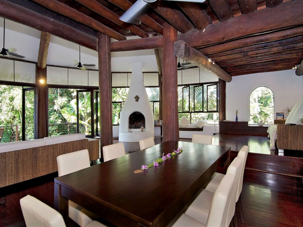 Fully furnished rainforest retreat