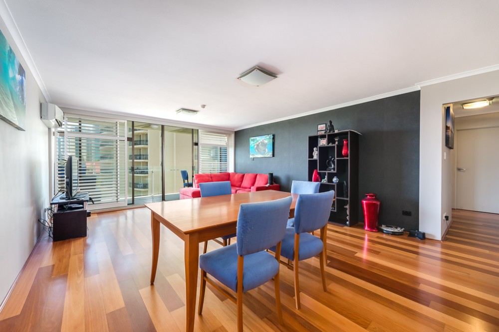 Surfers Paradise real estate For Sale