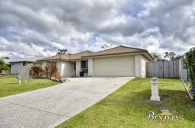 6 Kingsley Court, Little Mountain, QLD 4551