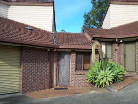 1/93-95 Barbaralla Drive, Springwood, QLD 4127