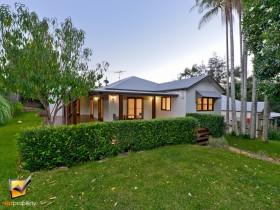 26 Griffith St, Tamborine Mountain, QLD 4272