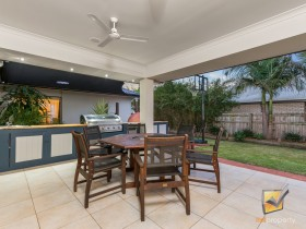 19 Coalstoun Crossing, Waterford, QLD 4133