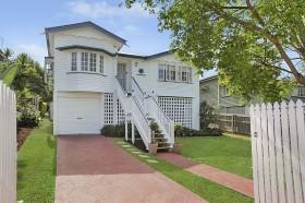 24 Waite Street, Norman Park, QLD 4170