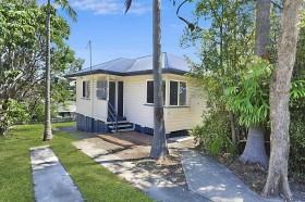 10 Crystal Street, Holland Park, QLD 4121