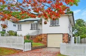 20 Iveagh Avenue, Holland Park West, QLD 4121