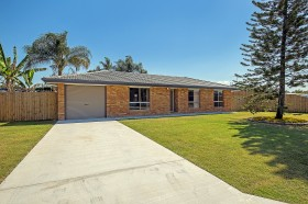 9 Glendevon Crescent, Mount Warren Park, QLD 4207