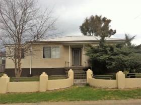 4 Dawson Avenue, Armidale, NSW 2350