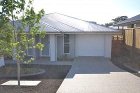 Unit 2/3 Carlin Street, Glenvale, QLD 4350