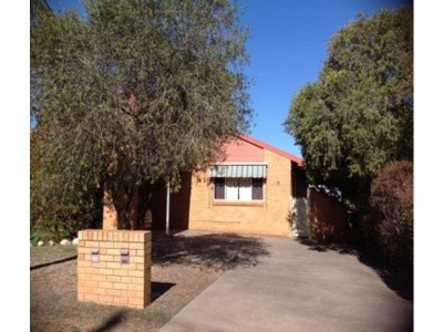 Property in Tamworth - $270.00 Weekly