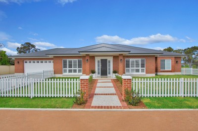 Property in Tamworth - Asking  $649,000