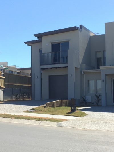 Property in Silkstone - $350 Weekly