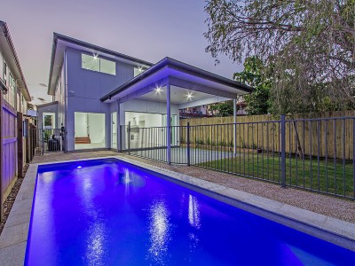 Property in Manly West - Offers Under $848,000