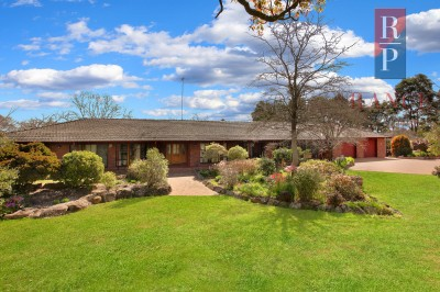 Property in Kenthurst - Sold for $2,700,000