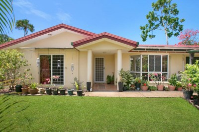 Property in Holloways Beach - Leased