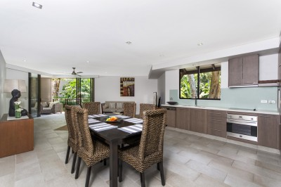 Property in Palm Cove - $550,000 Neg.