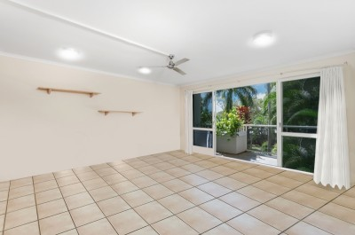 Property in Palm Cove - UNDER CONTRACT