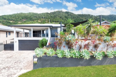 Property in Kanimbla - SOLD UNDER THE HAMMER