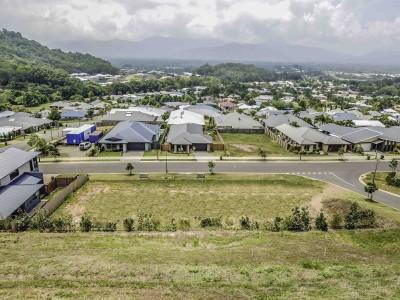 Property in Mount Sheridan - $234,000