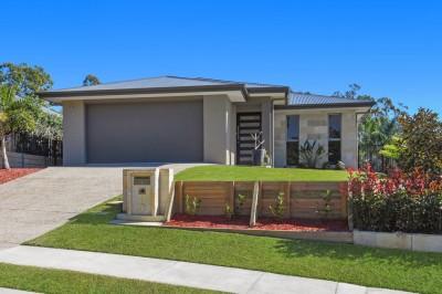 Property in Reedy Creek - $785 000
