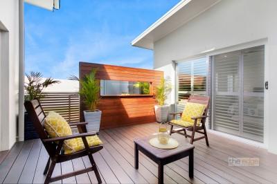 Property in Sapphire Beach - $789,000