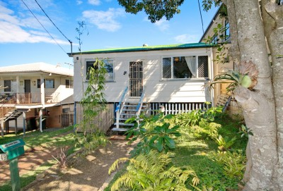 Property in Lota - Sold for $430,000