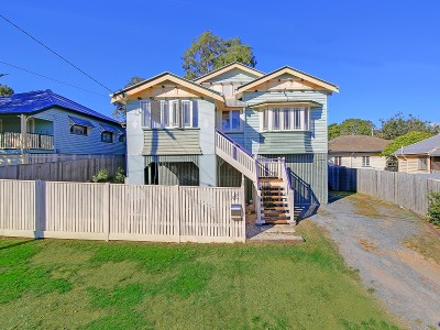 Property in Camp Hill - Auction