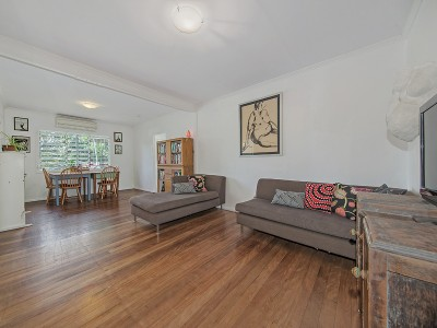 Property in Wynnum West - REDUCED $495,000