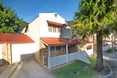 Property in Tingalpa - Offers over $299,000