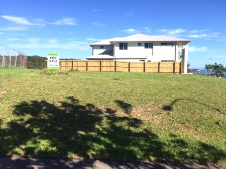 2 Torquay Circuit, Red Head, NSW 2430