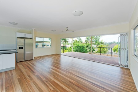 74 MACROSSAN AVE, Norman Park, QLD 4170