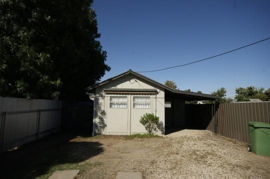 $Property->thumbnail->description