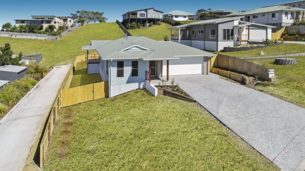 14 Snowwood Avenue, Maleny, QLD 4552