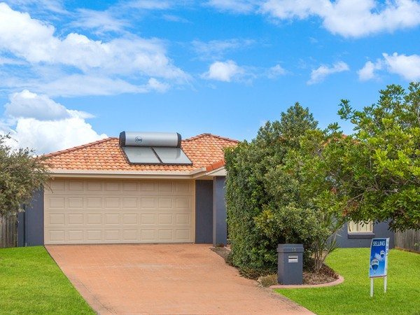 13 Wavecrest Place, Calamvale, QLD 4116