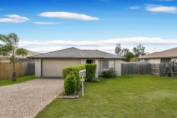 Property in Crestmead - SUBMIT OFFERS !!!