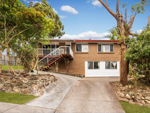 Property in Sunnybank Hills - $ 628,000