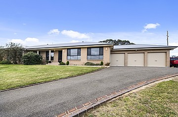 12 Windsor Crescent, Moss Vale, NSW 2577