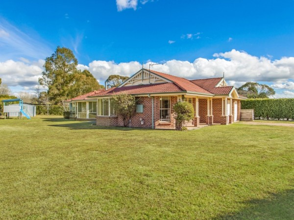 13 Rowland Road, Bowral, NSW 2576