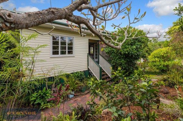 108 Esher Street, Holland Park West, QLD 4121