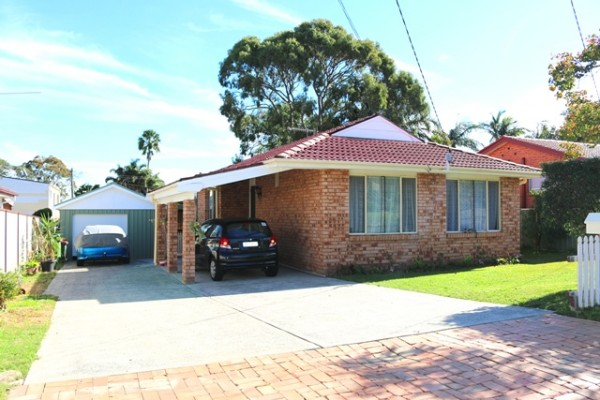 12 Dalton Avenue, Kanwal, NSW 2259